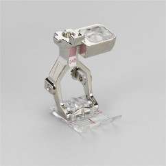 Bernina - Reverse pattern foot with clear #34D